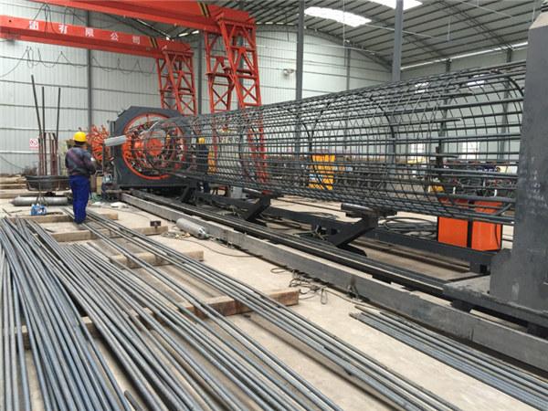 Произведено у Кини Једноставно руковање Издржљива и чврста машина за заваривање челичне арматурне заваривачке мреже и ојачавање кавеза